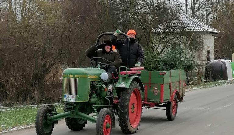 Weihnachtsbaumsammelaktion Derneburg Feuerwehr